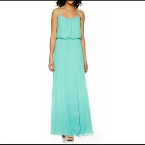 NEW Pineapple Pleated Maxi Dress